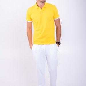 Желтая футболка поло